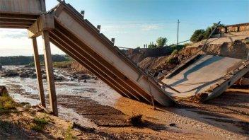 Colapsó un puente de la Ruta 40 en medio de un fuerte temporal en Mendoza