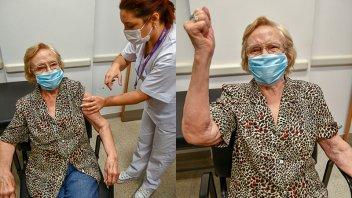 Elsa, una mujer de 90 años, es la vacunada número un millón en el país