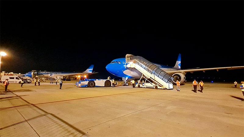 Llega esta tarde al país otro avión de Aerolíneas que trae más vacunas Sputnik