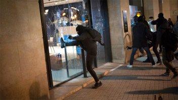 Al menos 13 detenidos tras protestas por la detención del rapero Pablo Hasél