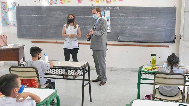 """Bordet: """"era necesario que todas las escuelas comiencen con clases presenciales"""""""