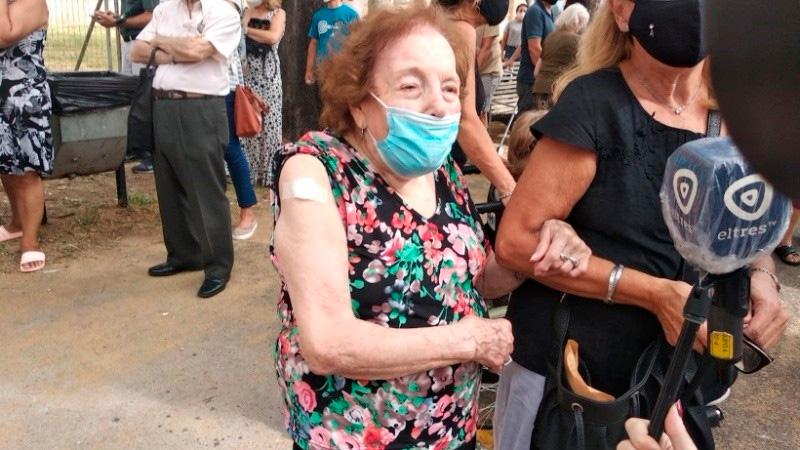 Marta recibió su vacuna contra el covid 19