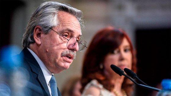 Fernández denuncia a Macri por