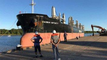 Conflicto gremial paraliza la actividad en el Puerto de Concepción del Uruguay