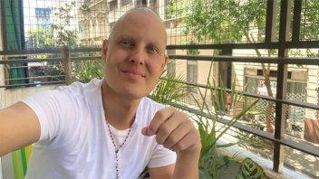 Lío Pecoraro feliz al regresar a su casa, mientras lucha contra la leucemia