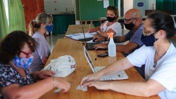 Covid-19: registran la voluntad de vacunarse a mayores de 70 en Pueblo Belgrano