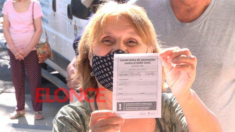 Comenzaron a vacunar contra el Covid-19 a mayores de 70 años en Paraná