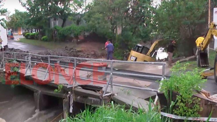 Cómo salvaron a maquinista en puente donde cayó el auto de Fiorella Furlán