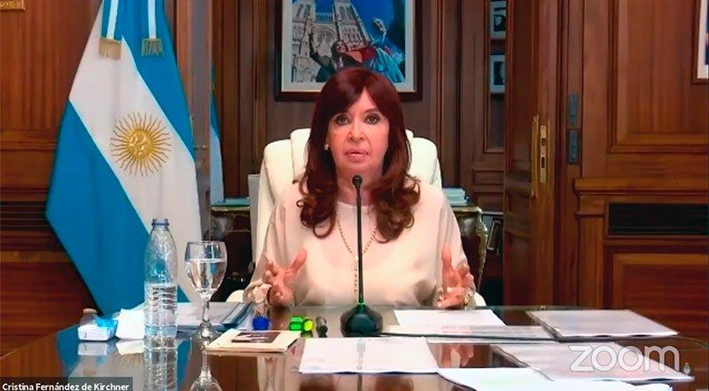 Cristina acusó a la Justicia de ser