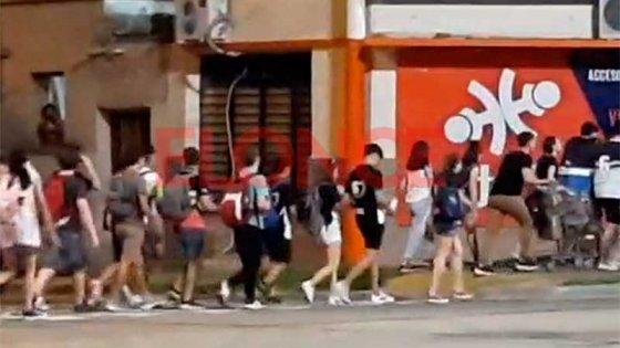 Videos: Alumnos comenzaron los festejos por el Último Primer Día