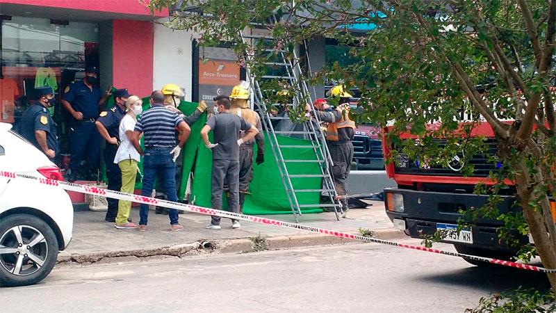Trágico accidente: una mujer murió tras caer en el hueco de un ascensor