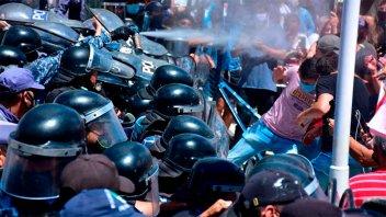 Protestas e incidentes en Formosa tras decisión oficial de volver a la Fase 1