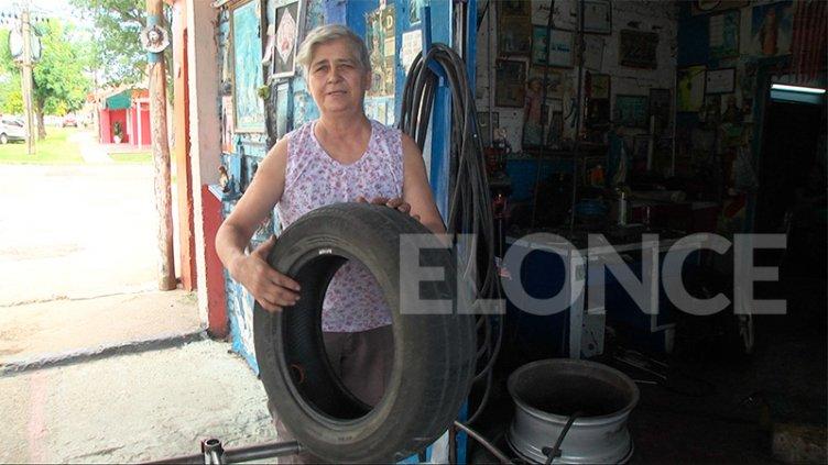 """En el Día de la Mujer, la historia de María, la """"primer gomera de Paraná"""""""
