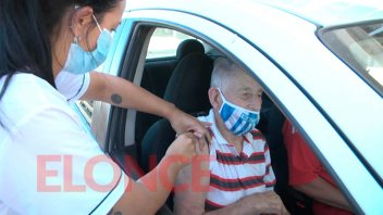 Vacunarán hoy con la primera dosis y sin turno a mayores de 70 años en Paraná