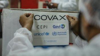 OMS pidió a fabricantes de vacunas ayudar a Covax para su justa distribución