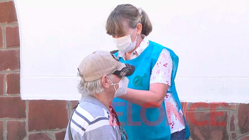 Mayores de 75 años que no recibieron primera dosis podrán vacunarse el lunes