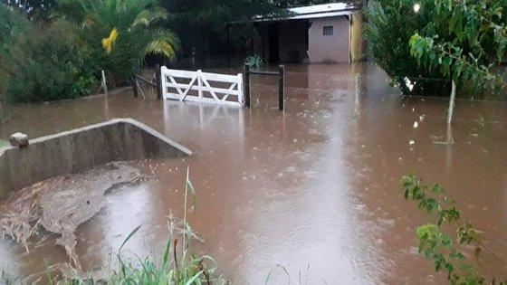 Brindan asistencia en distintos departamentos afectados por las intensas lluvias