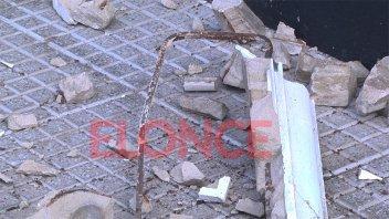 Cayó parte de la mampostería de un edificio antiguo de Paraná