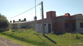 Con fondos provinciales reanudaron la construcción de viviendas en El Pingo