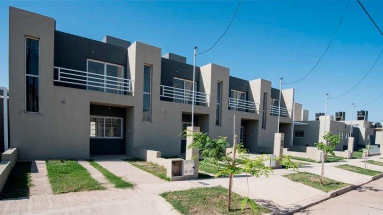 Fernández lanzó créditos para viviendas y prometió solución a endeudados en UVA