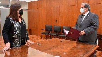 Marcela Cottet juró como titular del Juzgado de Paz Nº 2 de Paraná