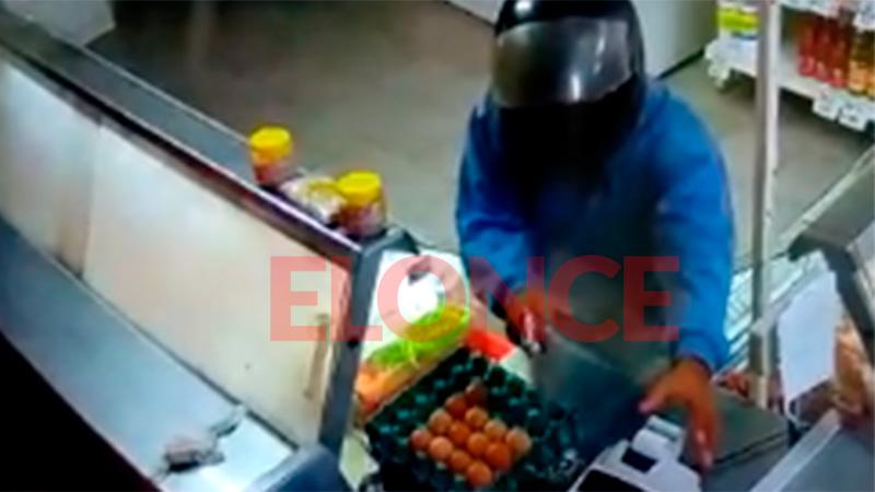 Video: Asaltaron carnicería en San Benito y dispararon contra comerciante