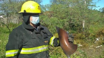 Apagaban un incendio, explotó una garrafa y las partes volaron más de 45 metros