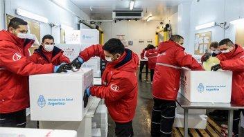 Comienza envío de dosis de vacuna Suptnik V: cuántas más llegarán a Entre Ríos