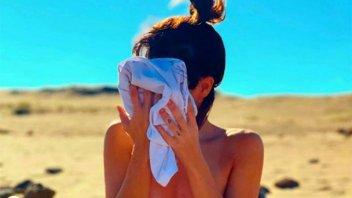 A color y en blanco y negro: joven actriz  compartió fotos en topless