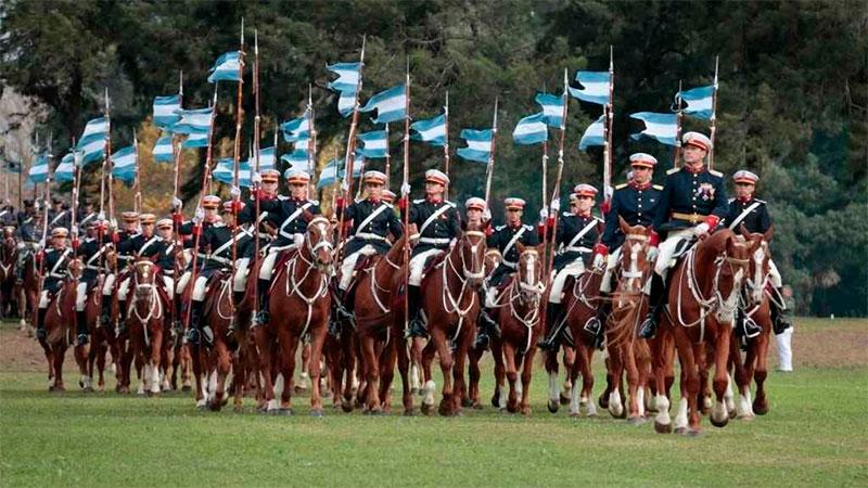 Cadetes del Colegio Militar de la Nación.