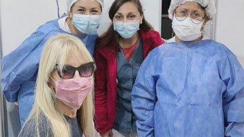 """Graciela Alfano: """"Me vacuné en mi país. Rápido, indoloro y seguro"""""""