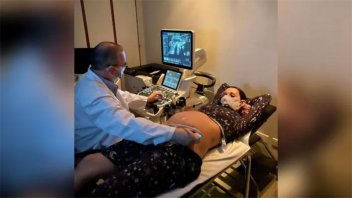 La tierna foto de Pampita en la ecografía por los seis meses de embarazo