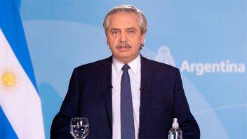 Fernández felicitó a Pedro Castillo por ser electo: