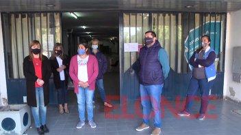 Empleados del área de Libreta Sanitaria reclaman ser trasladados a nueva sede