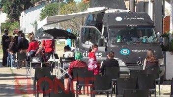Más de 200 personas realizaron trámites en la unidad de Migraciones de Nación