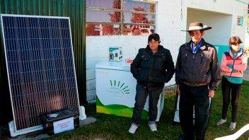 Entregaron kits fotovoltaicos a familias de zonas rurales