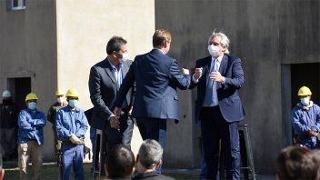 Bordet firmó un convenio con el Presidente para la terminación de viviendas