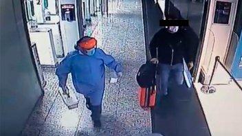 El pasajero que llegó contagiado de Miami dijo que había avisado a la aerolínea