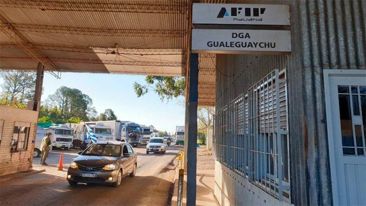 Incautaron unos 210 kilos de cocaína en el Puente San Martín: hubo un detenido