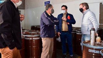 Bahillo visitó cooperativa de productores apícolas del departamento Paraná