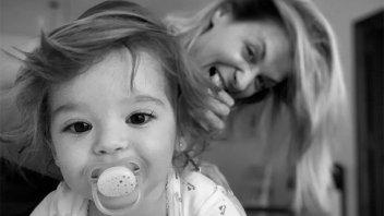"""Eugenia Tobal mostró fotos de su hija: """"Sos alegría pura"""""""