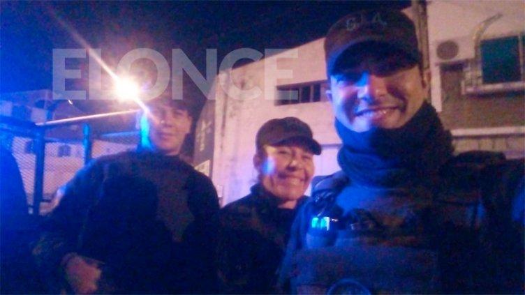 ¡Héroes! Tres policías salvaron la vida de un bebé que había dejado de respirar