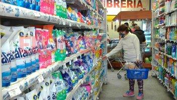 Preparan canasta de 120 artículos a precios congelados hasta diciembre