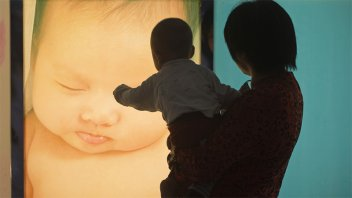 Tras la disminución de nacimientos, China permitirá tener tres hijos por familia