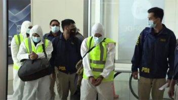 En un cuestionado procedimiento, Chile deportó a medio centenar de venezolanos