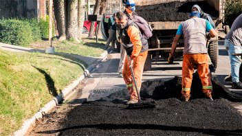Continúan los trabajos de repavimentación de calles de la ciudad
