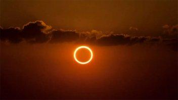 """Llega mañana el """"Eclipse del Anillo de fuego"""": cómo será y dónde podrá verse"""
