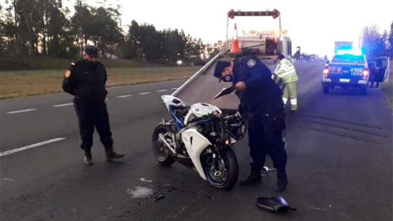 Así quedó la moto tras el fatal accidente.-