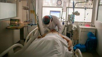 Crítica situación sanitaria en Paraguay por falta de oxígeno y récord de muertes