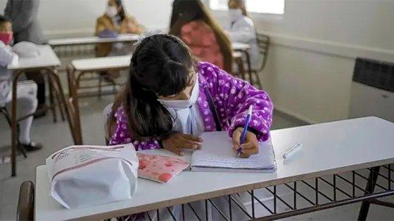 """El ciclo lectivo 2022 apunta a """"tener cada vez más horas y días de clase"""""""